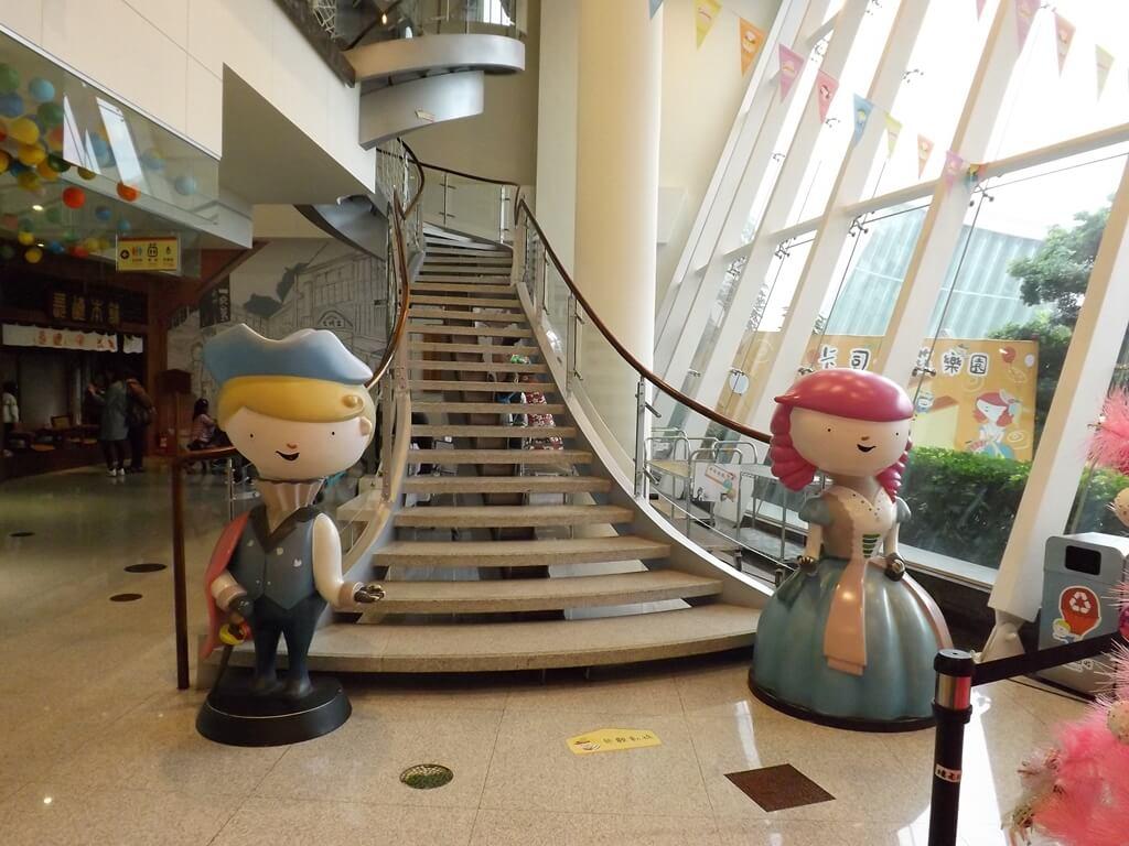 卡司‧蒂菈樂園(金格觀光工廠)的圖片:通往二樓的樓梯