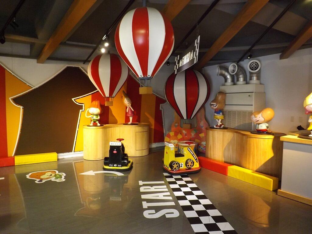 龍情魔幻豆子主題館的圖片:室內兒童賽車場