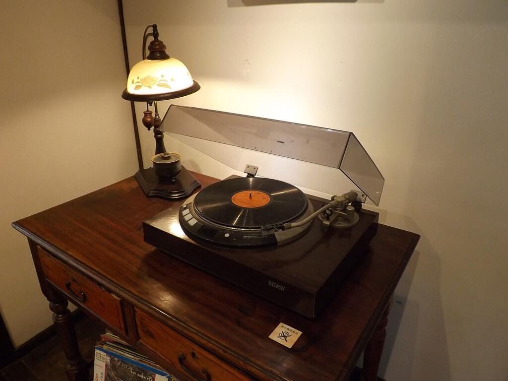 中平路故事館的圖片:黑膠唱片與黑膠唱片機展示