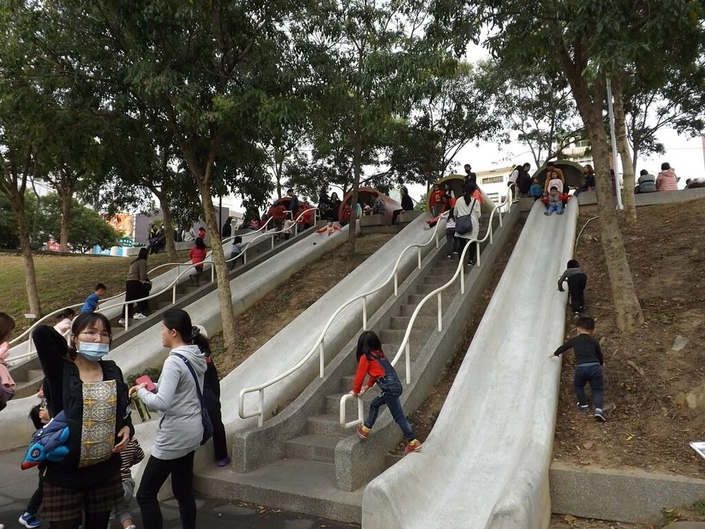 中壢老街溪河川教育中心的圖片:磨石子的四座溜滑梯