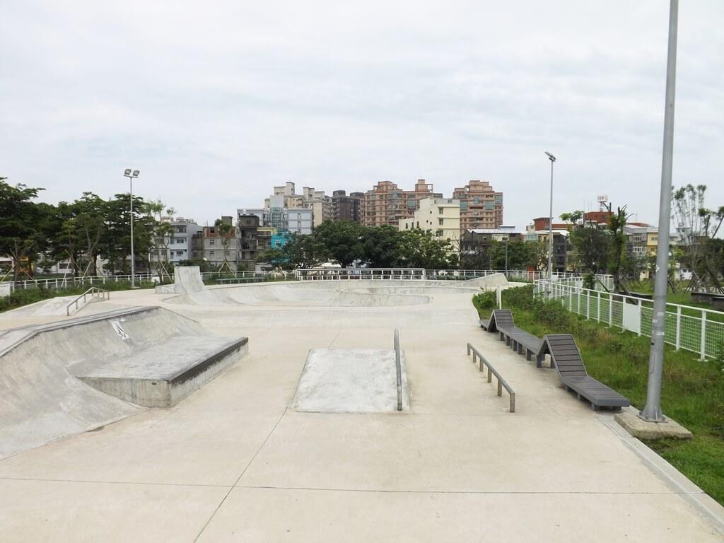 平鎮新勢公園的圖片:設計優良的極限運動場