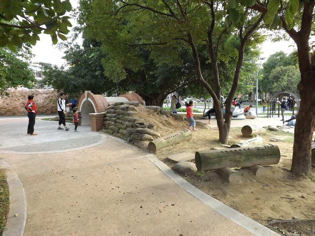 平鎮新勢公園的圖片:公園遊玩區
