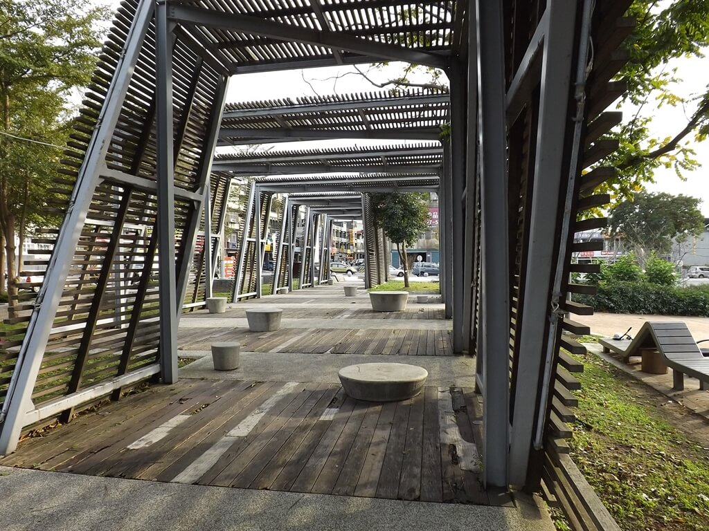 平鎮新勢公園的圖片:造型光廊