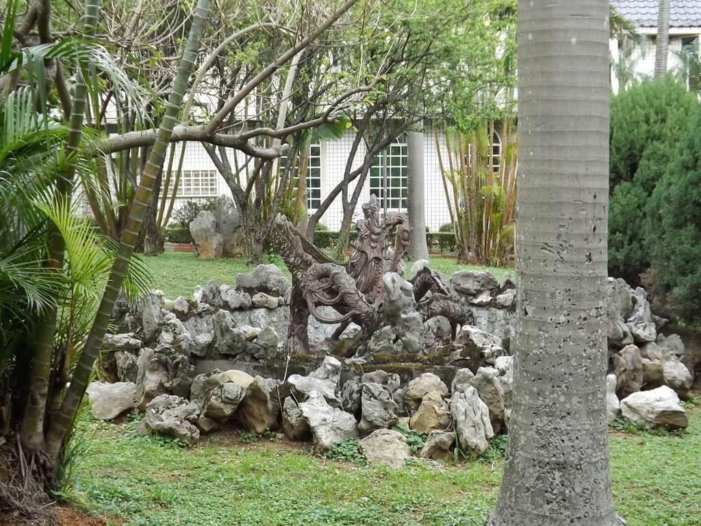 平鎮褒忠祠(義民廟)的圖片:水池造景