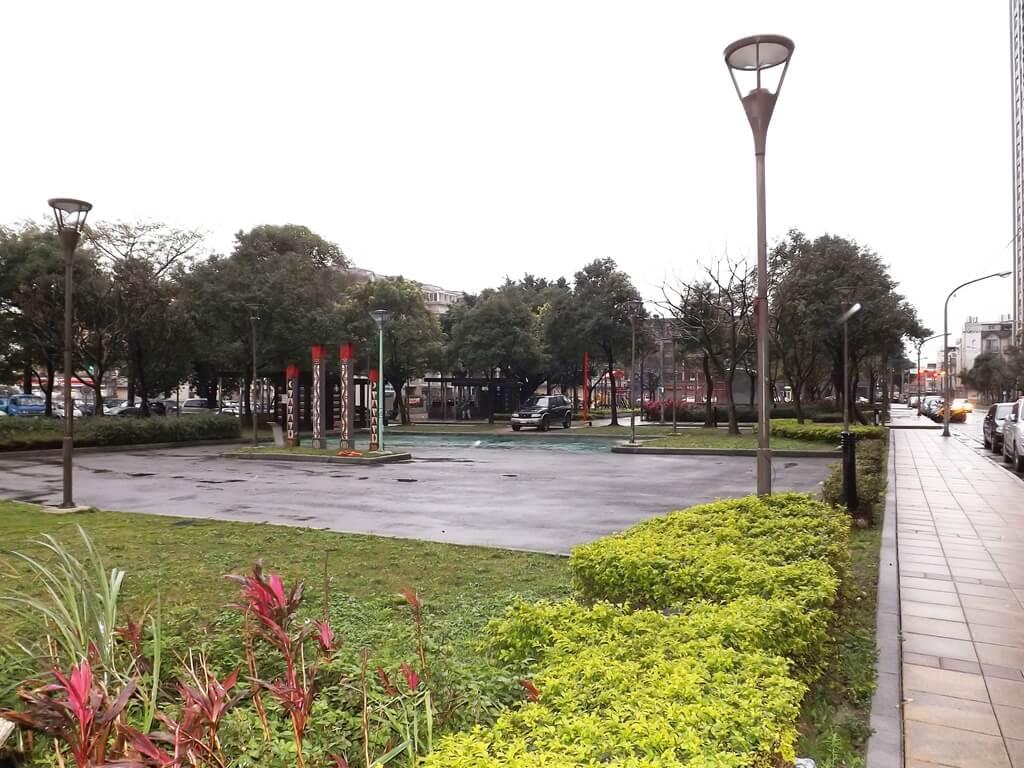 平鎮雲南文化公園的圖片:兩路交介拍攝的公園全景