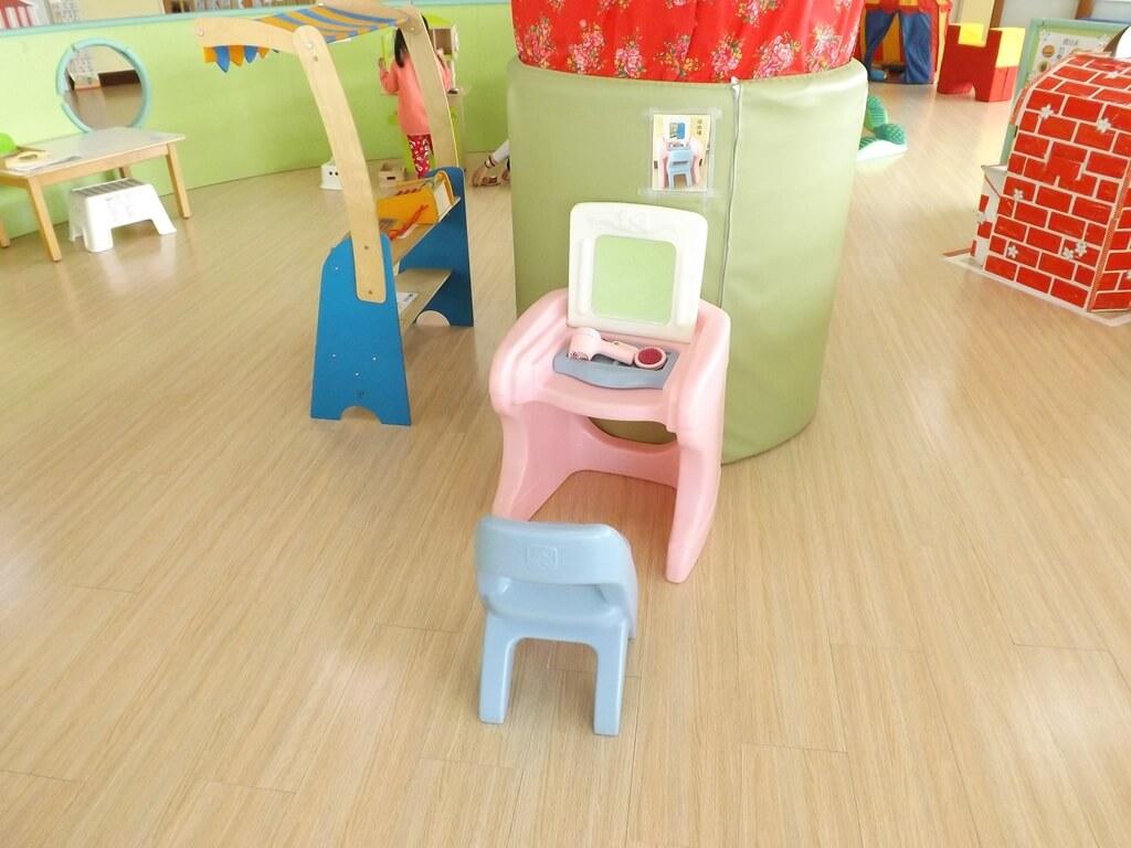中壢親子館的圖片:兒童梳妝台玩具
