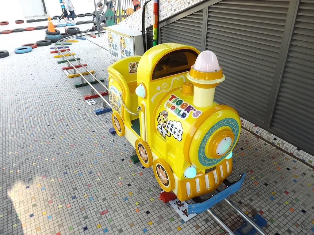 廣豐新天地的圖片:黃色火車頭