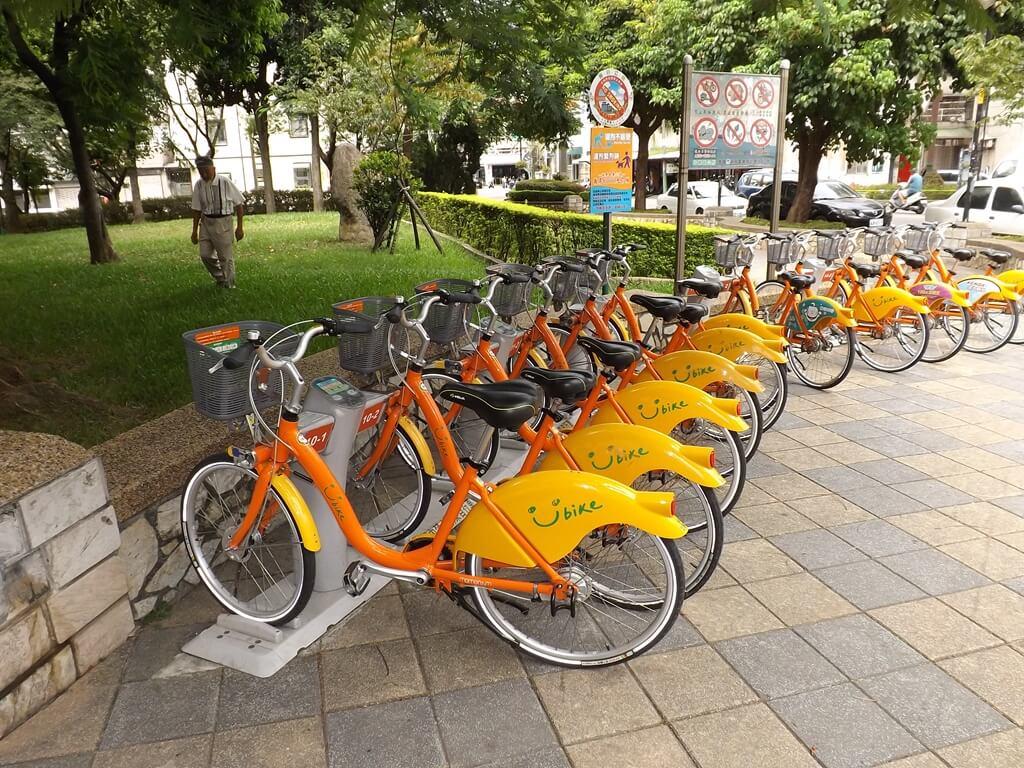 中壢莒光公園的圖片:在莒光路與杭州路交界處的 YouBike微笑單車