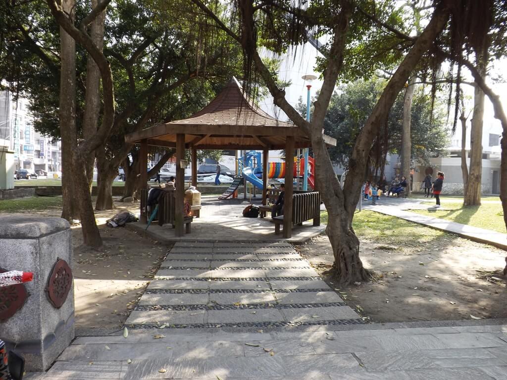 中壢中正公園的圖片:靠近中壢藝術館的涼亭
