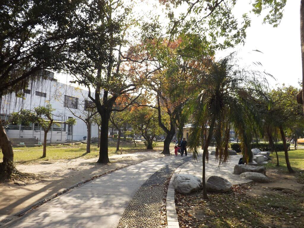 中壢中正公園的圖片:林蔭步道