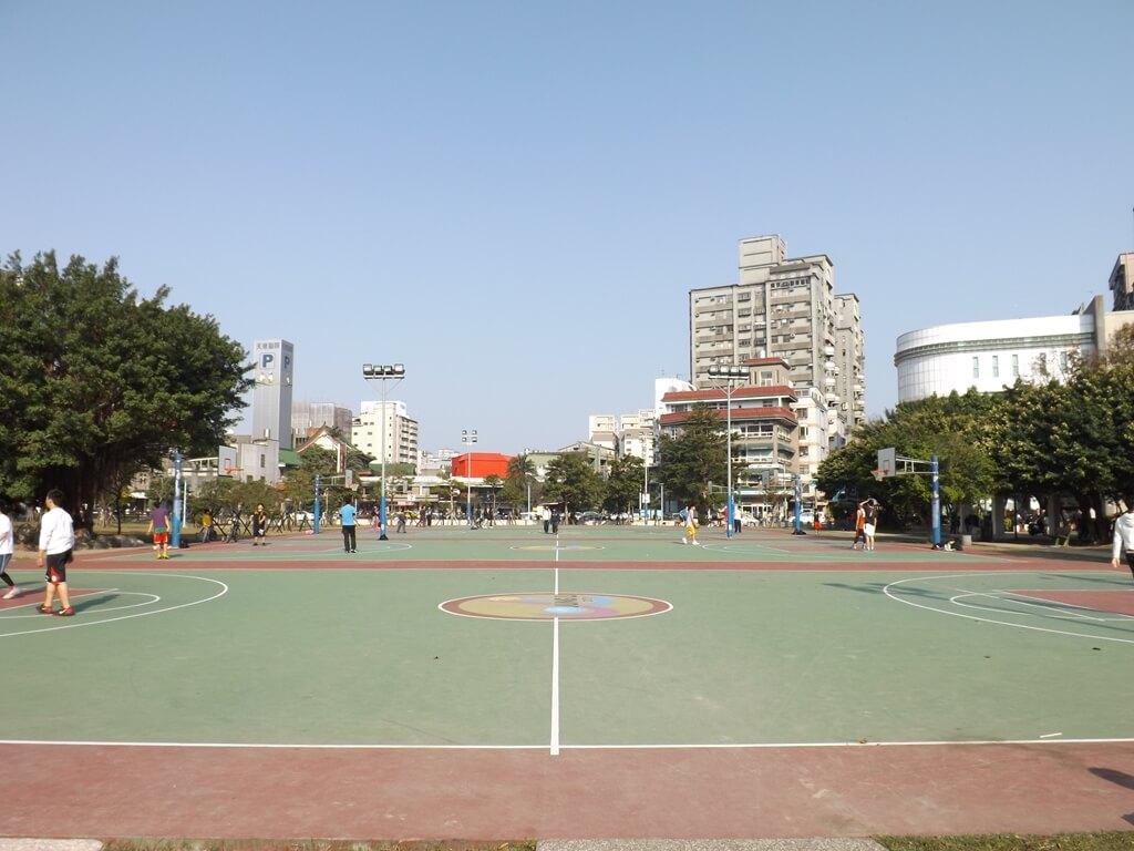 中壢中正公園的圖片:籃球場