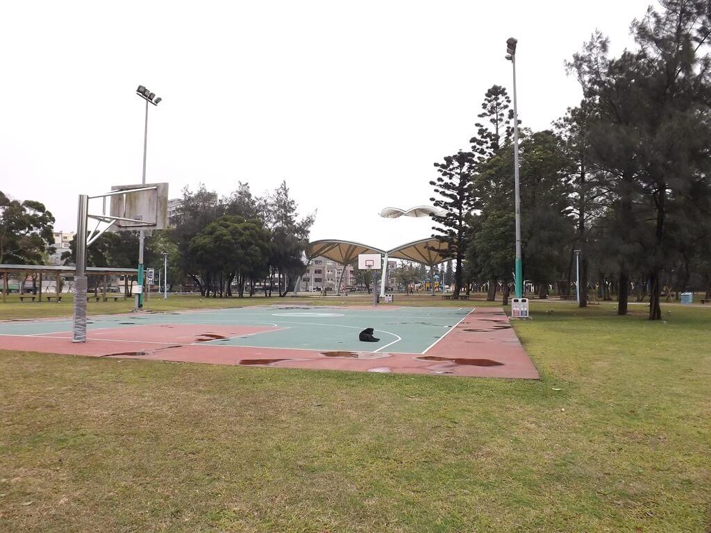 龍岡森林公園的圖片:籃球場