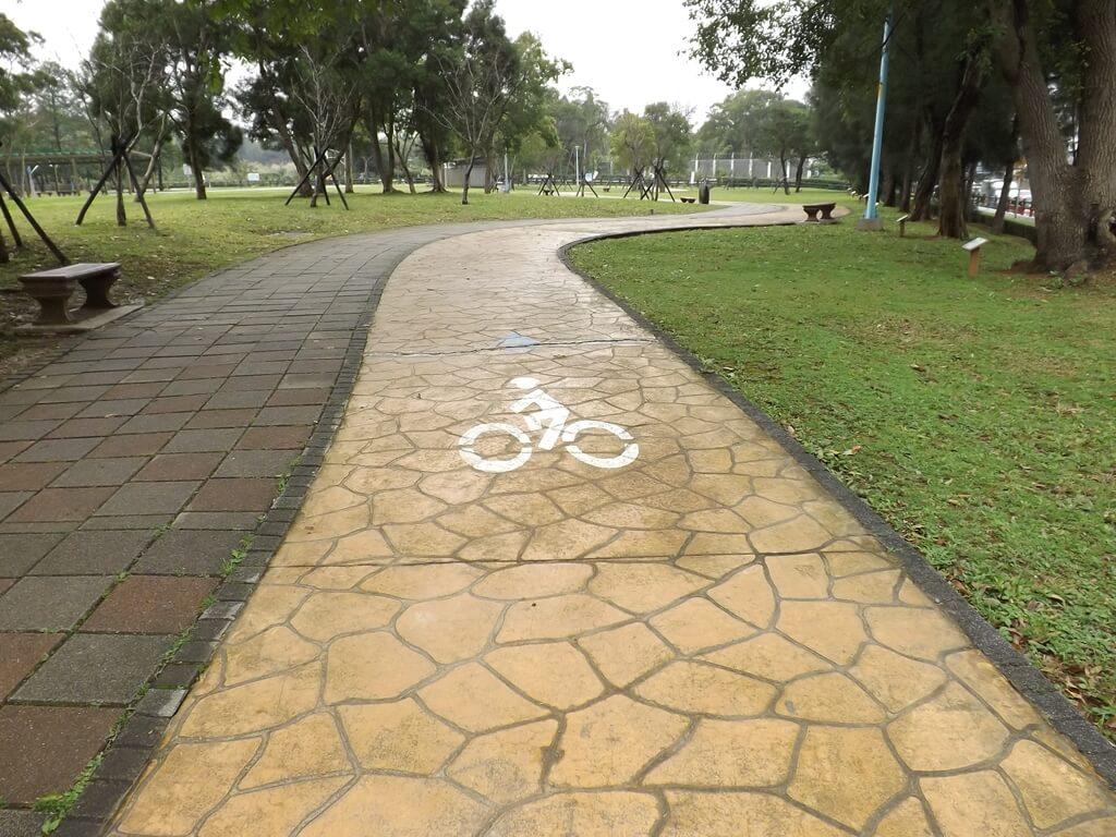 龍岡森林公園的圖片:自行車道