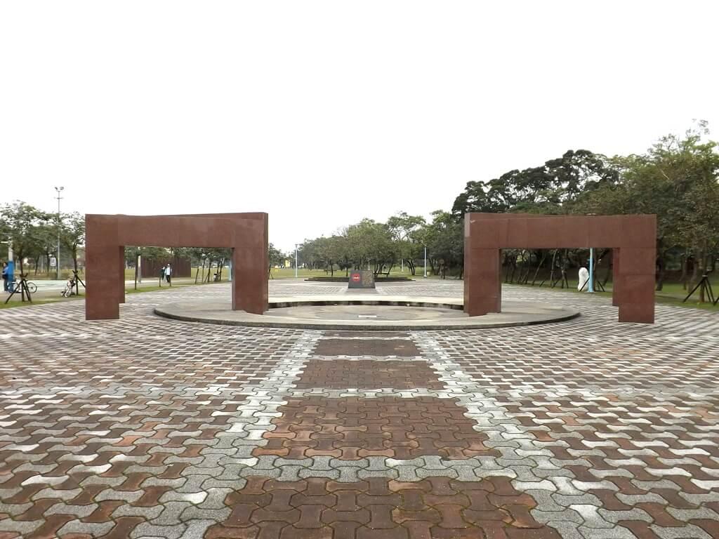 龍岡萬坪公園的圖片:黑貓中隊紀念廣場全景
