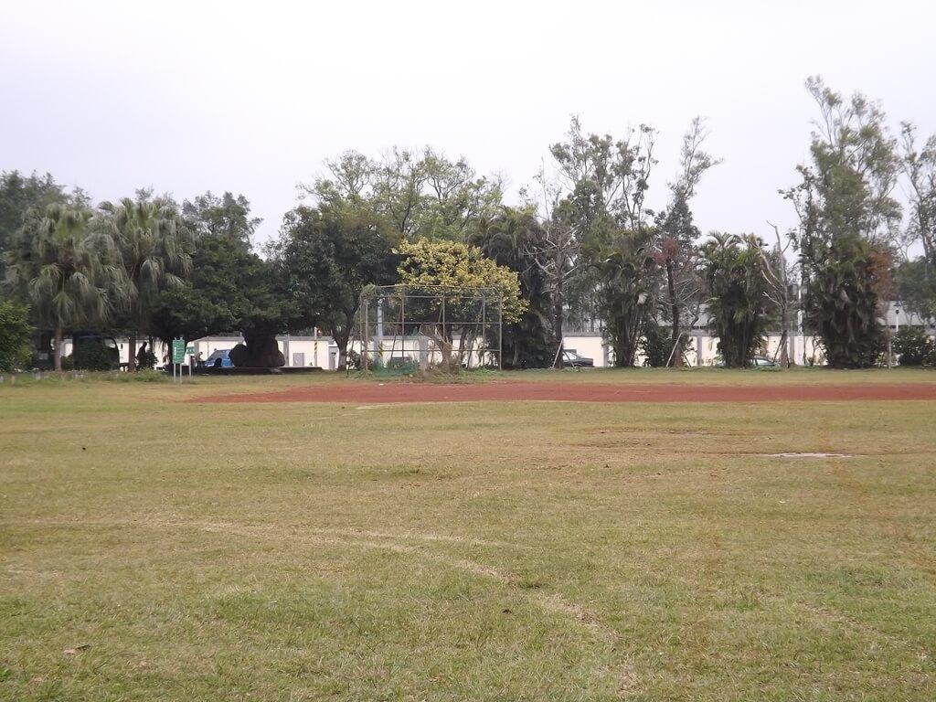 龍岡大操場的圖片:棒球練習場