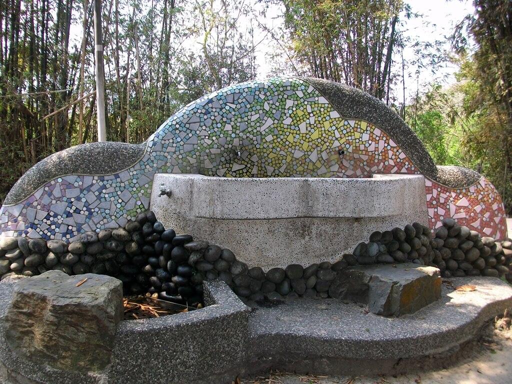 龍潭觀光大池(龍潭大池)的圖片:造型洗手台