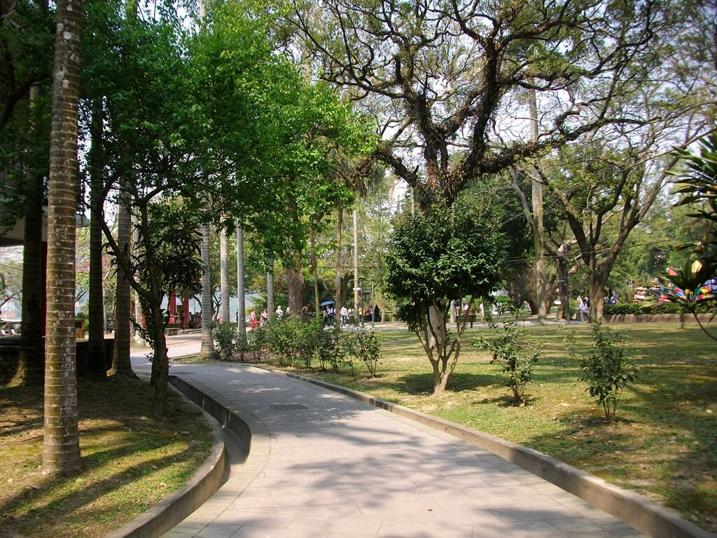 大溪中正公園的圖片:公園內的走道