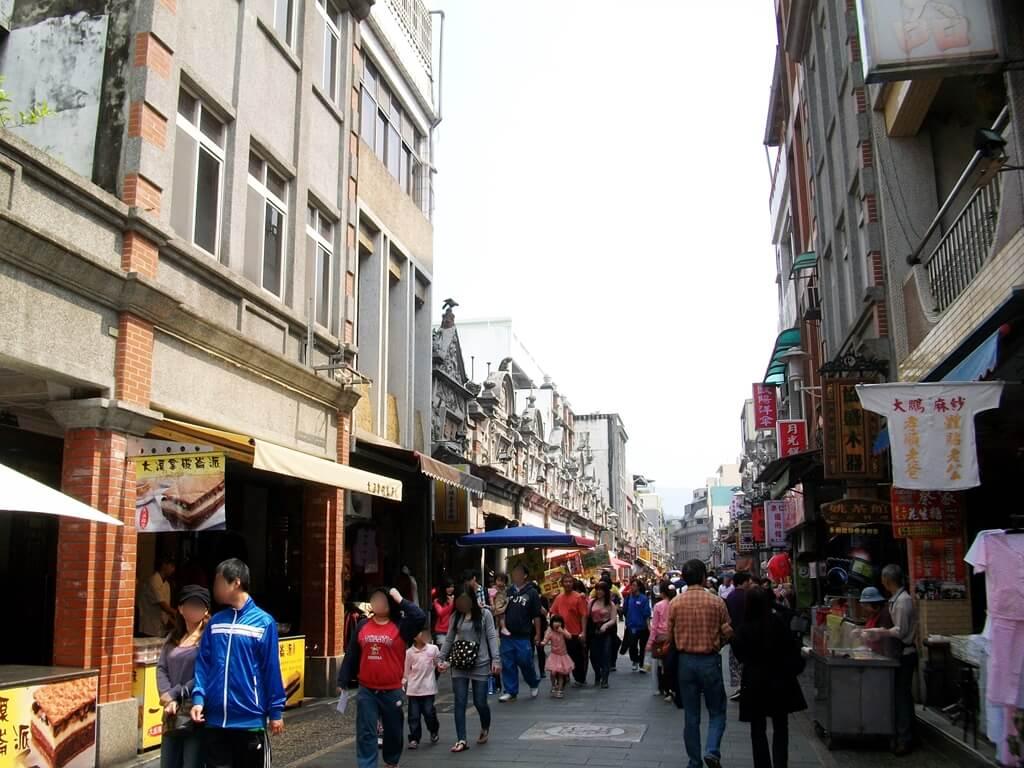 大溪老街的圖片:即將走到整排的牌樓