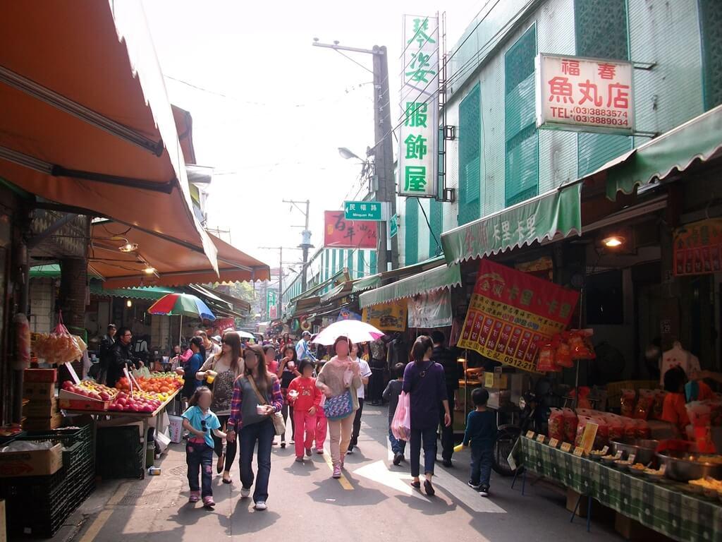 大溪老街的圖片:靠近市場的街道