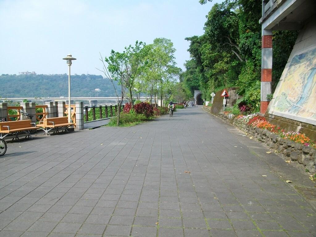 大溪橋的圖片:靠大溪老街旁的走道