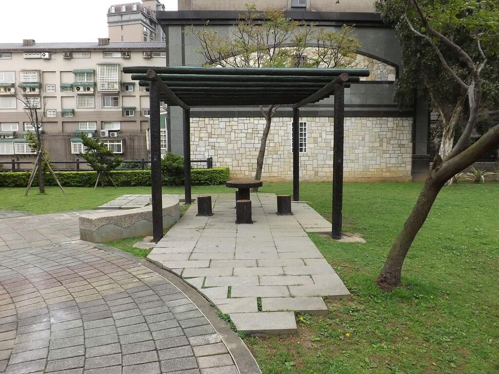中壢甲蟲公園的圖片:小涼亭