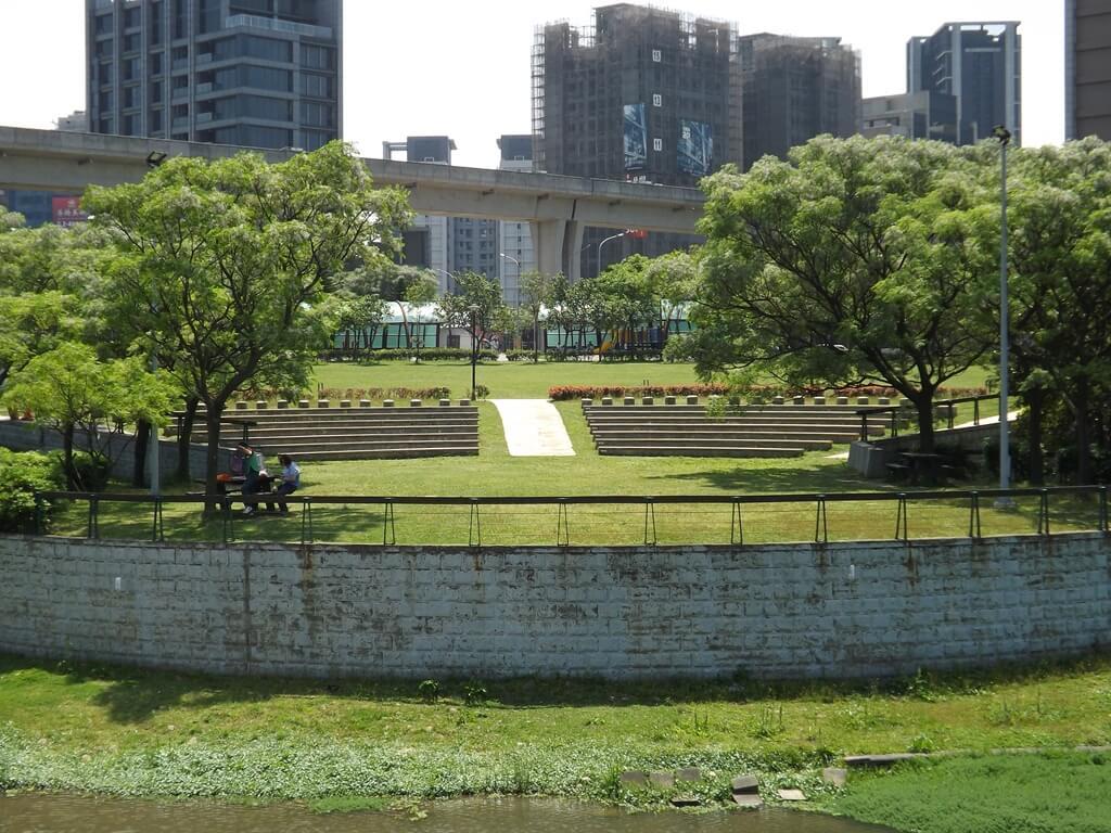 青塘園的圖片:圓形廣場