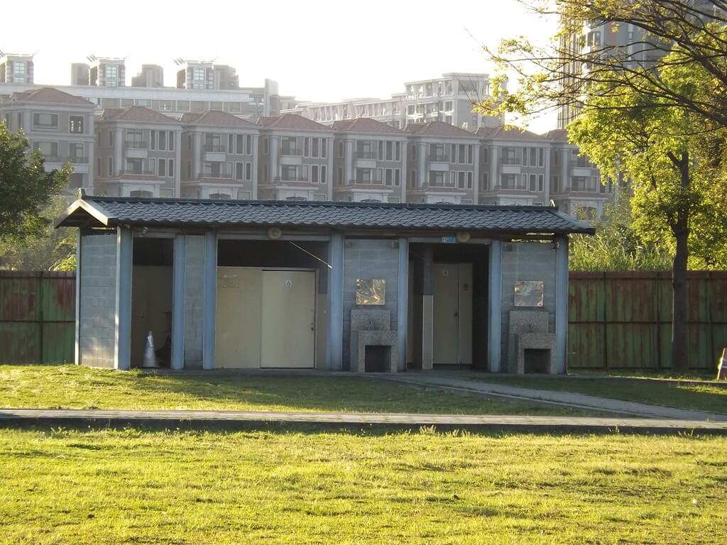 楓樹腳公園的圖片:公共廁所