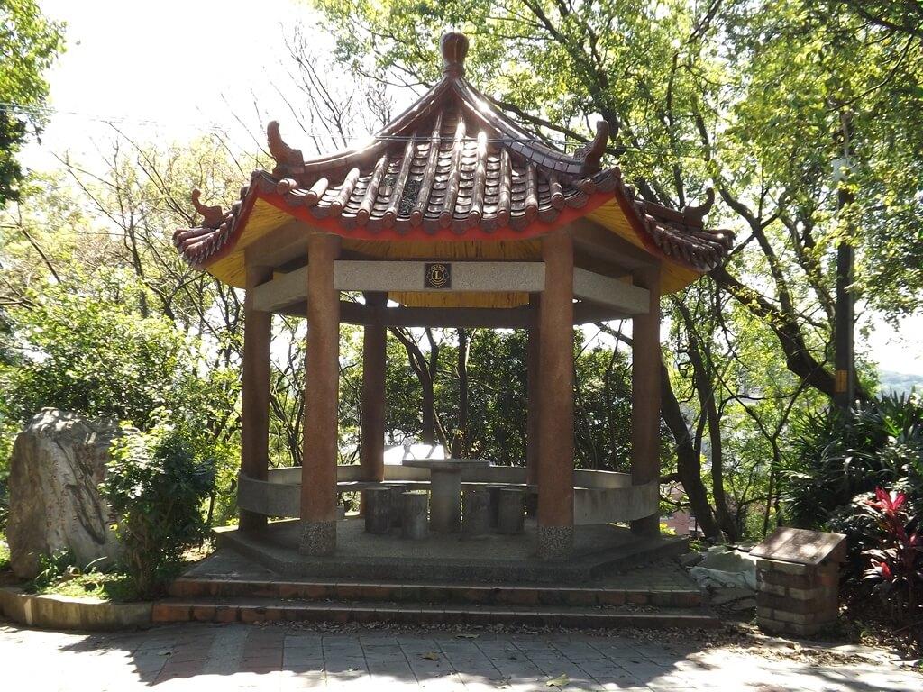 楊梅貴山客家文化公園的圖片:觀音像後方的涼亭