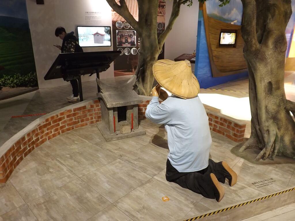 桃園市土地公文化館的圖片:虔誠祭拜土地公的實景模型