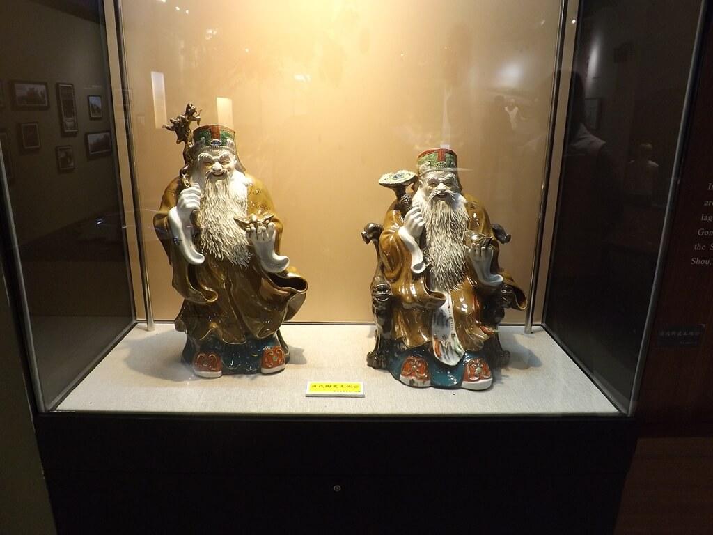 桃園市土地公文化館的圖片:清代陶瓷土地公展示