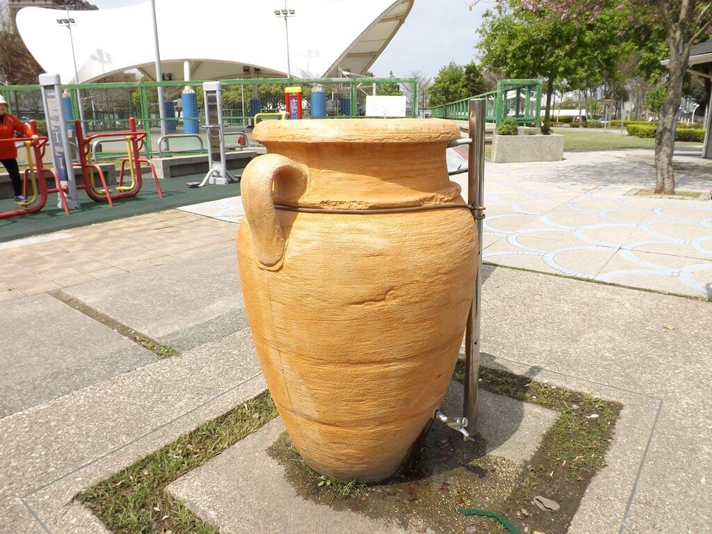 桃園市三民運動公園的圖片:壺狀水龍頭