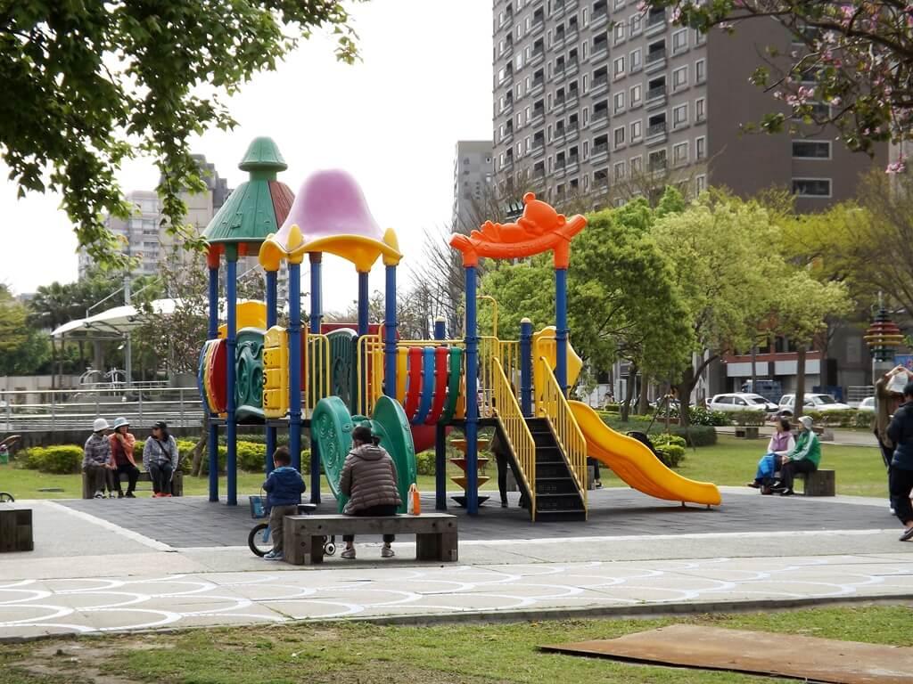 桃園市三民運動公園的圖片:兒童遊樂區