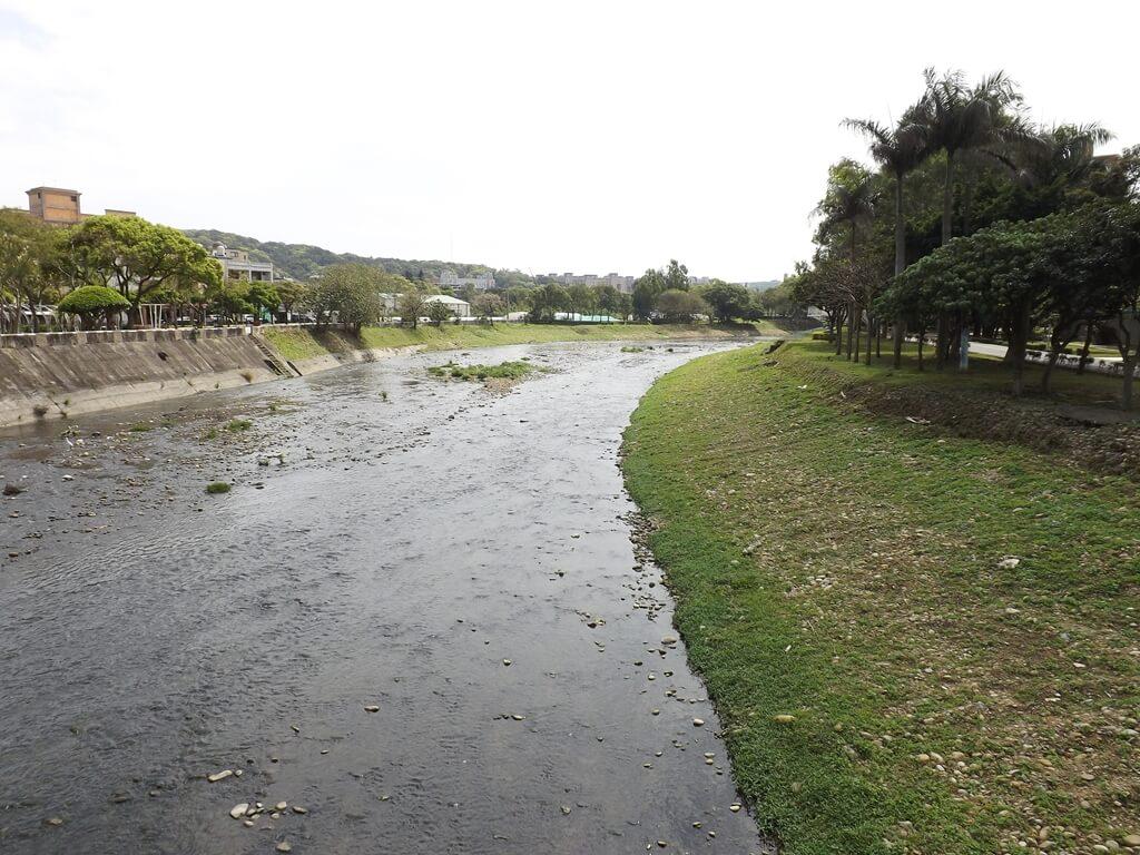 桃園市三民運動公園的圖片:南崁溪河岸風光