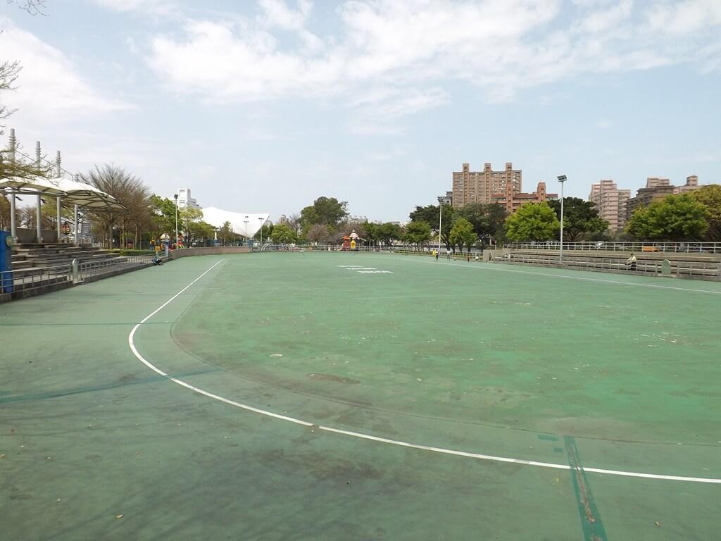 桃園市三民運動公園的圖片:溜冰場(123653227)