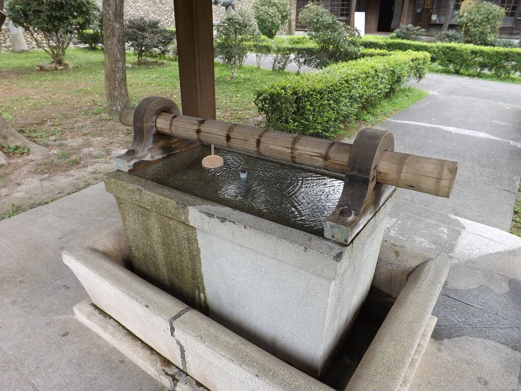 桃園市忠烈祠暨神社文化園區的圖片:水手舍內的水台