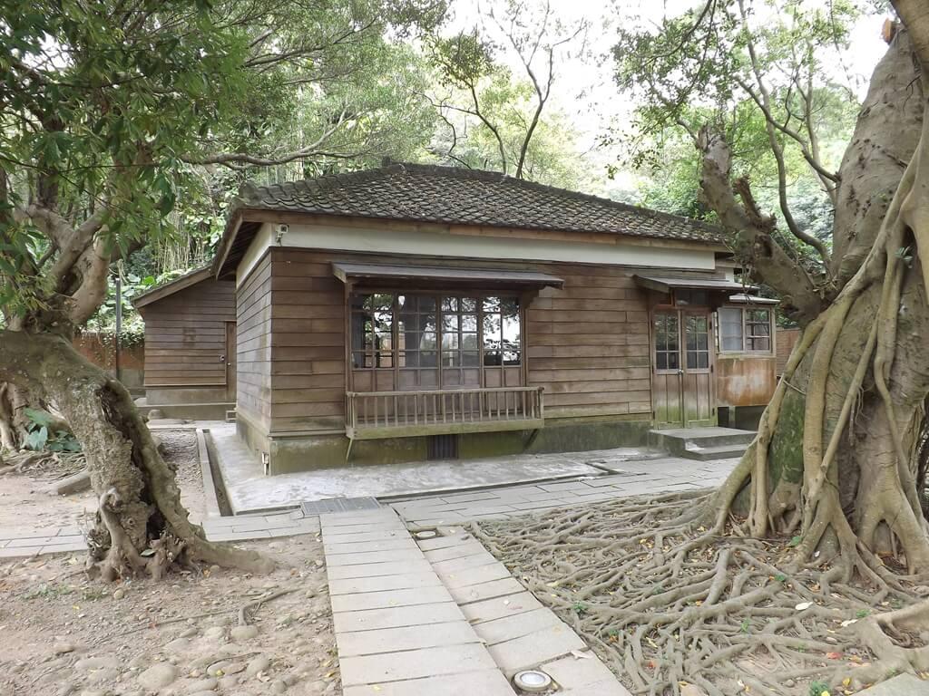 桃園市忠烈祠暨神社文化園區的圖片:桃園神社的儲藏室