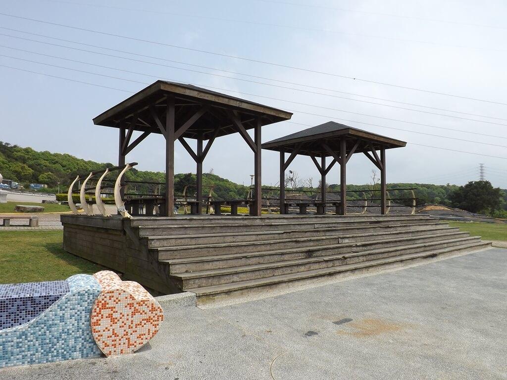 虎頭山環保公園的圖片:兩座木造觀景涼亭
