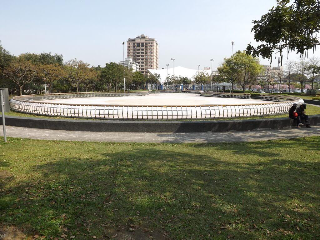 桃園陽明運動公園的圖片:大型溜冰場