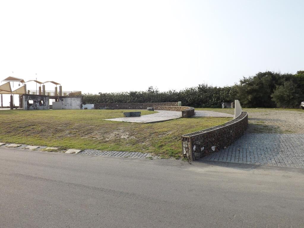 許厝港濕地的圖片:簡單的小廣場