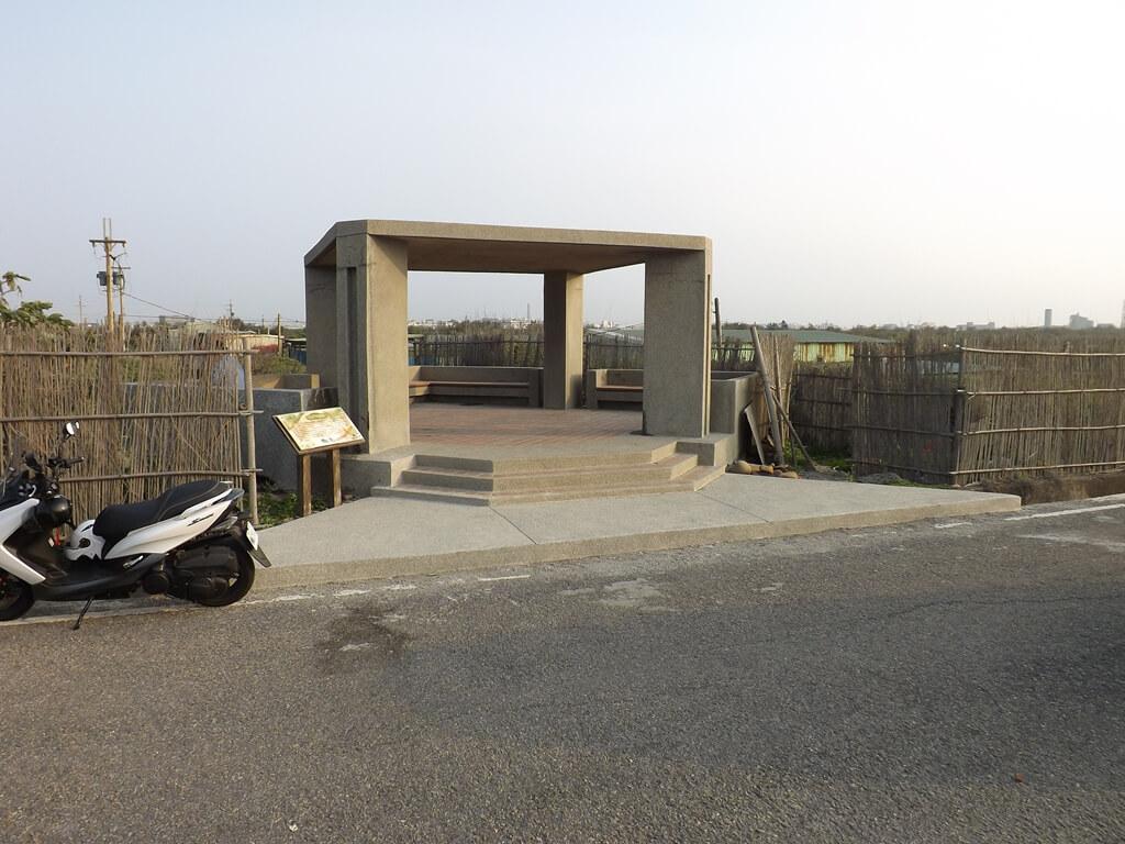 許厝港濕地的圖片:海岸防風林入口