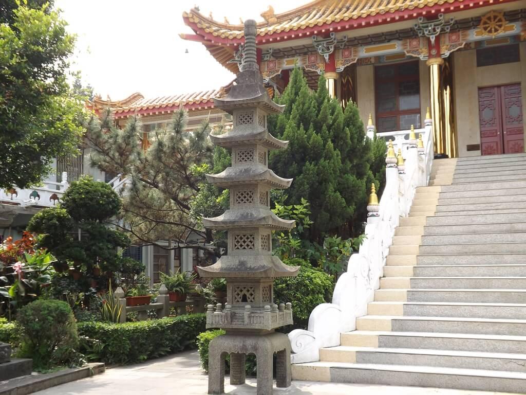 中壢圓光禪寺的圖片:石燈塔