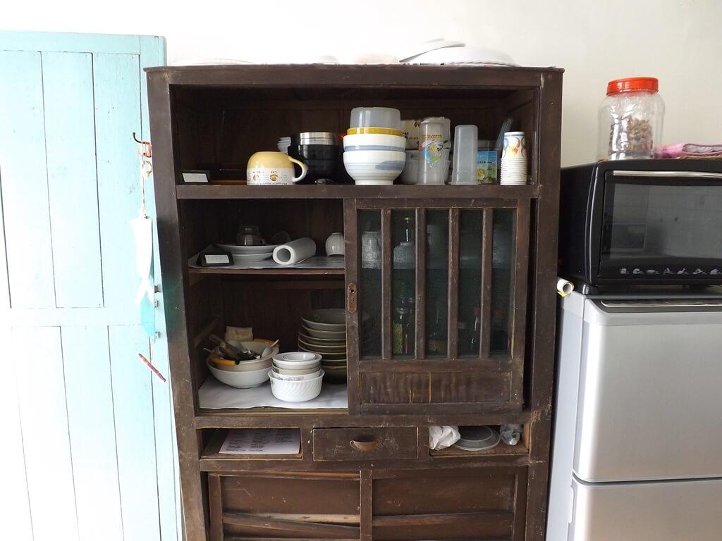 憲光二村的圖片:復古的木製碗櫥