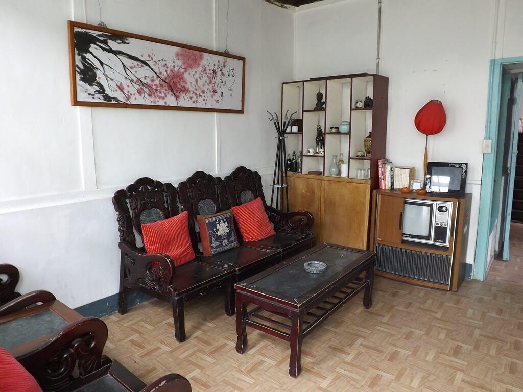 憲光二村的圖片:早期眷村客廳擺設