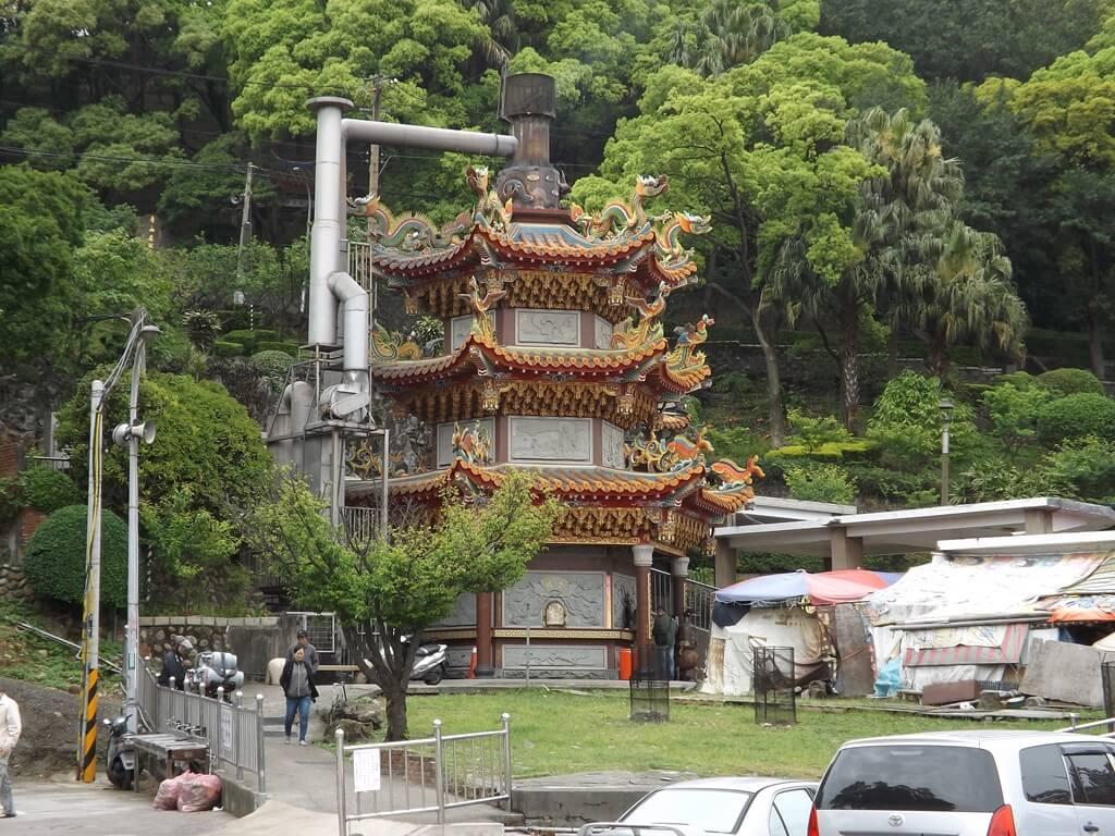 壽山巖觀音寺的圖片:巨型金爐