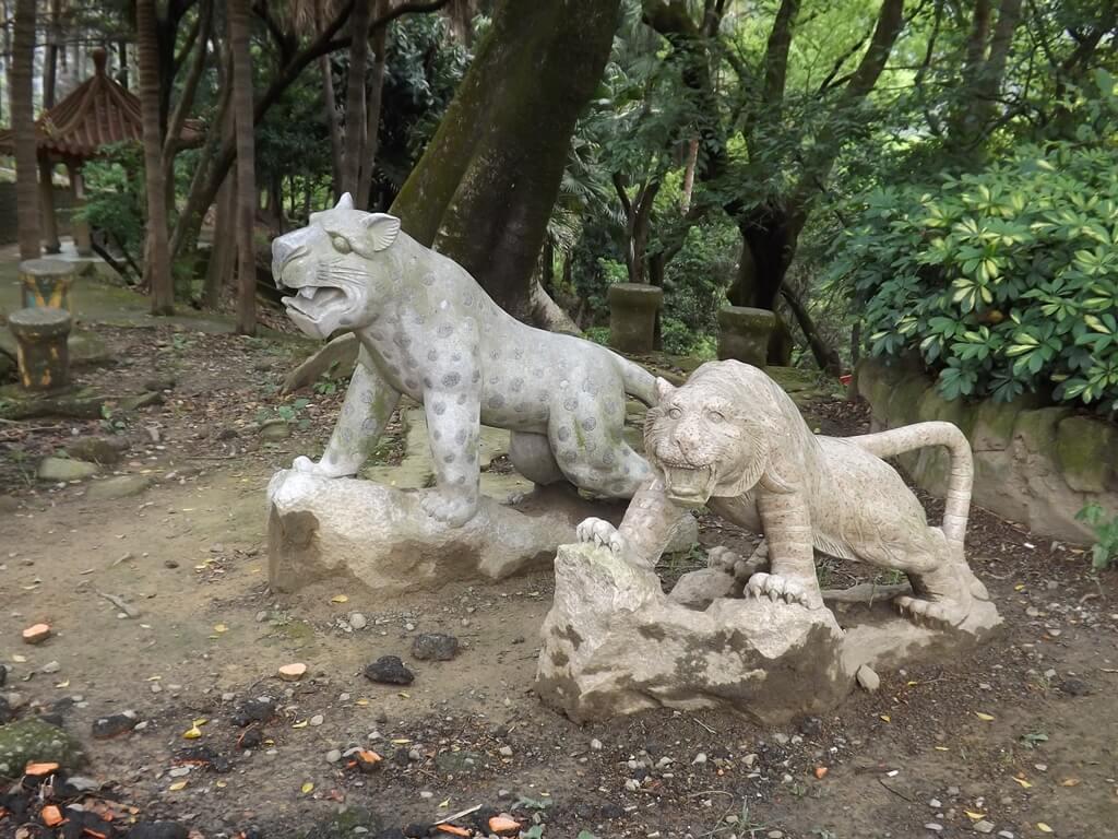 壽山巖觀音寺的圖片:壽山巖公園內的石豹