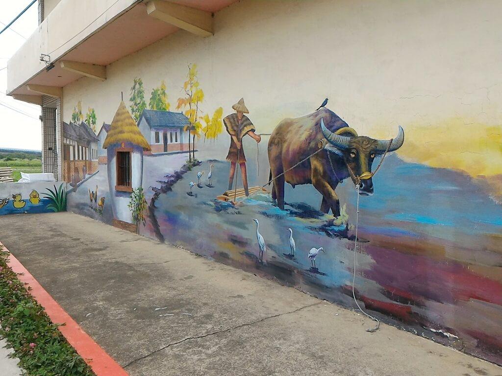 坑口彩繪村的圖片:代表農村的彩繪