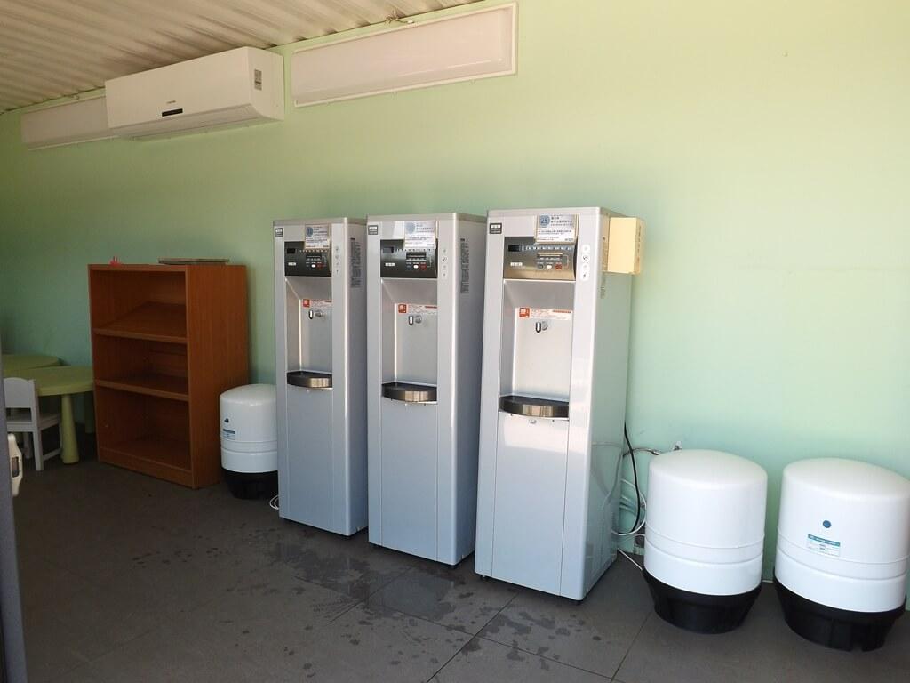 新竹青青草原的圖片:飲水機等設備
