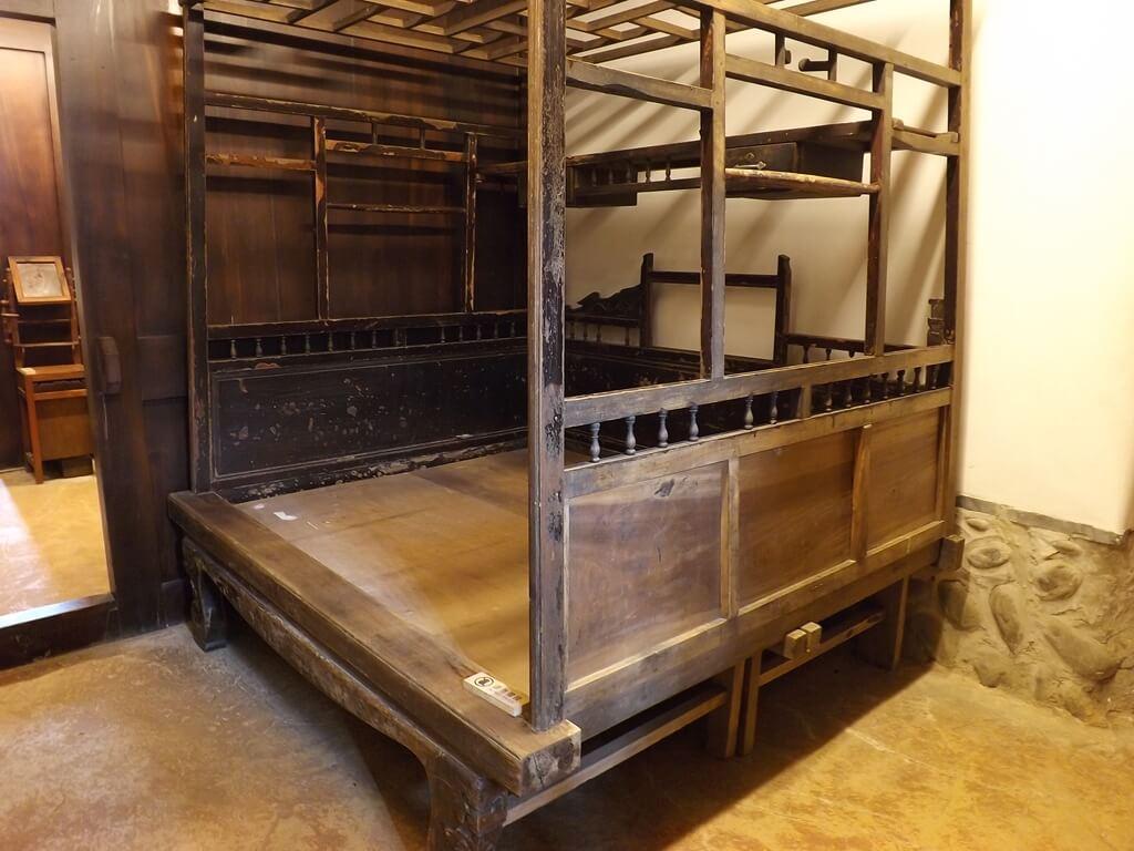 李騰芳古宅的圖片:房間內的八腳眠床