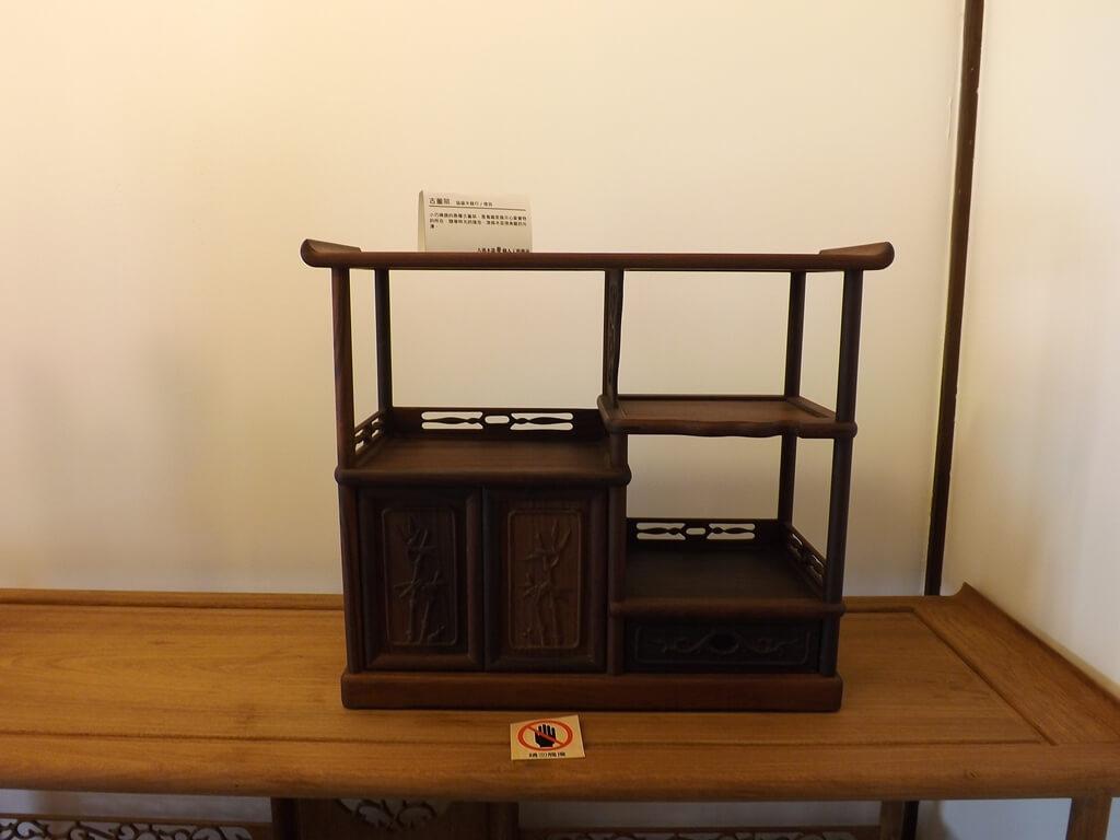大溪木藝生態博物館的圖片:古董架展示