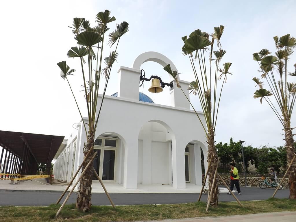新竹南寮漁港的圖片:有大鐘的廳堂